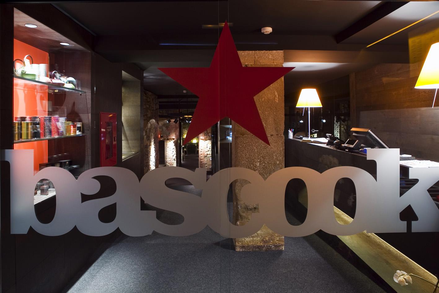 (c) bascook.com