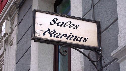 El letrero del viejo almacén de sal
